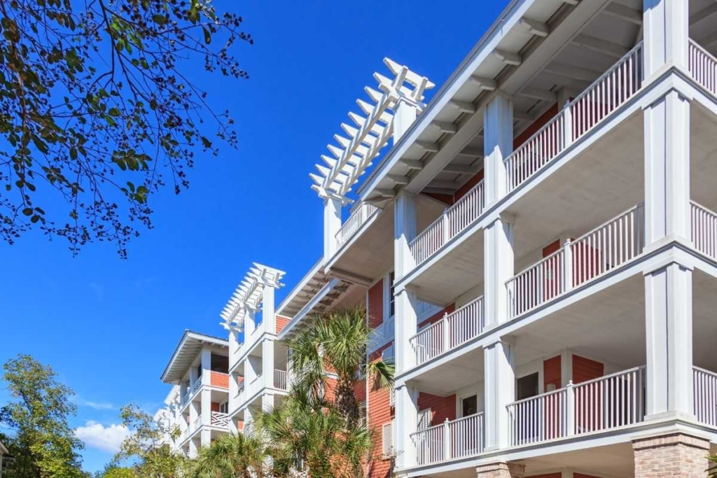Why is it Important for an HOA to Consider a Property Management Company?