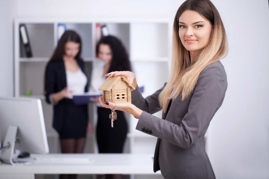 What Are the Benefits of Hiring a Property Management Company?